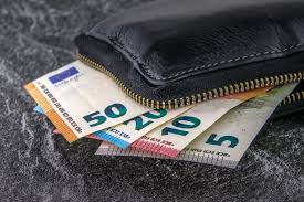 Μείωση φορολογίας και συντελεστών